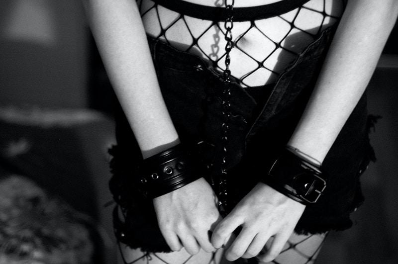 hooking up California bondage fetish submissive