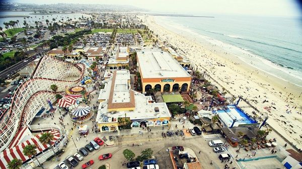 meet girls men beach California hookups