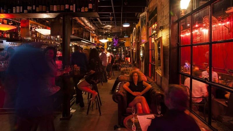 nightlife hookups Houston venues single bars