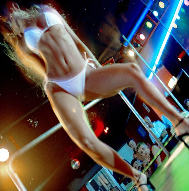 girl strip club Ireland nude show gentleman nightclub singles