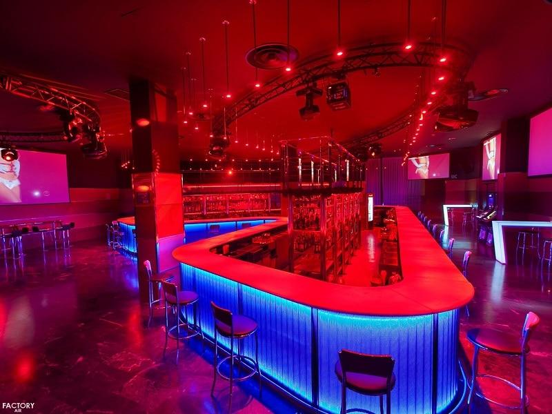 gentleman clubs Madrid strippers erotic nightlife