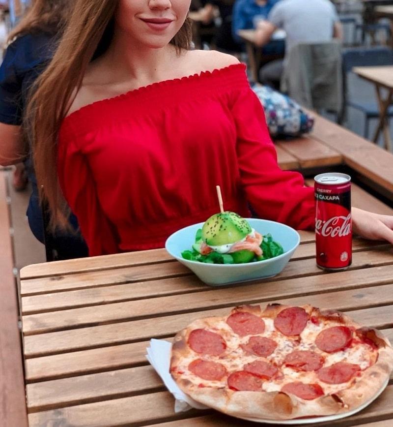Hungarian girlfriend enjoy romantic dinner
