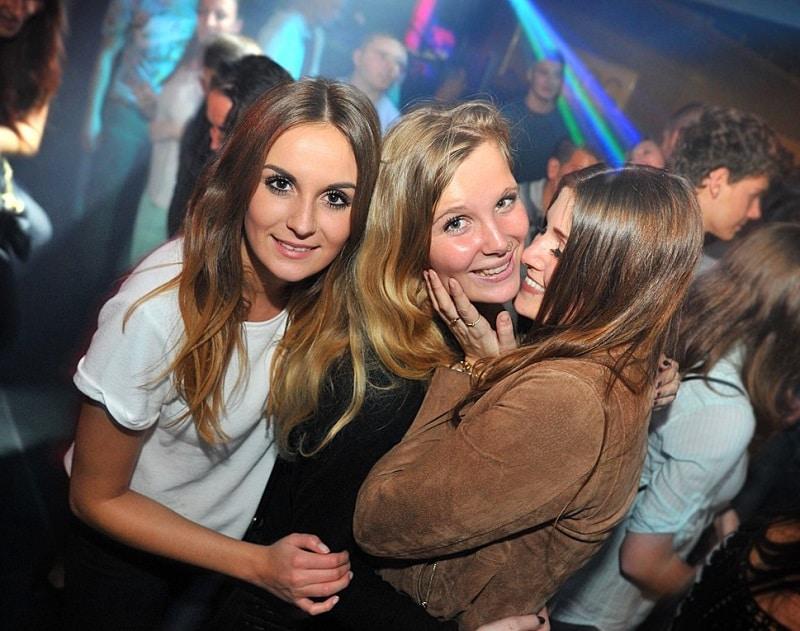 meet single girls Frankfurt get laid night