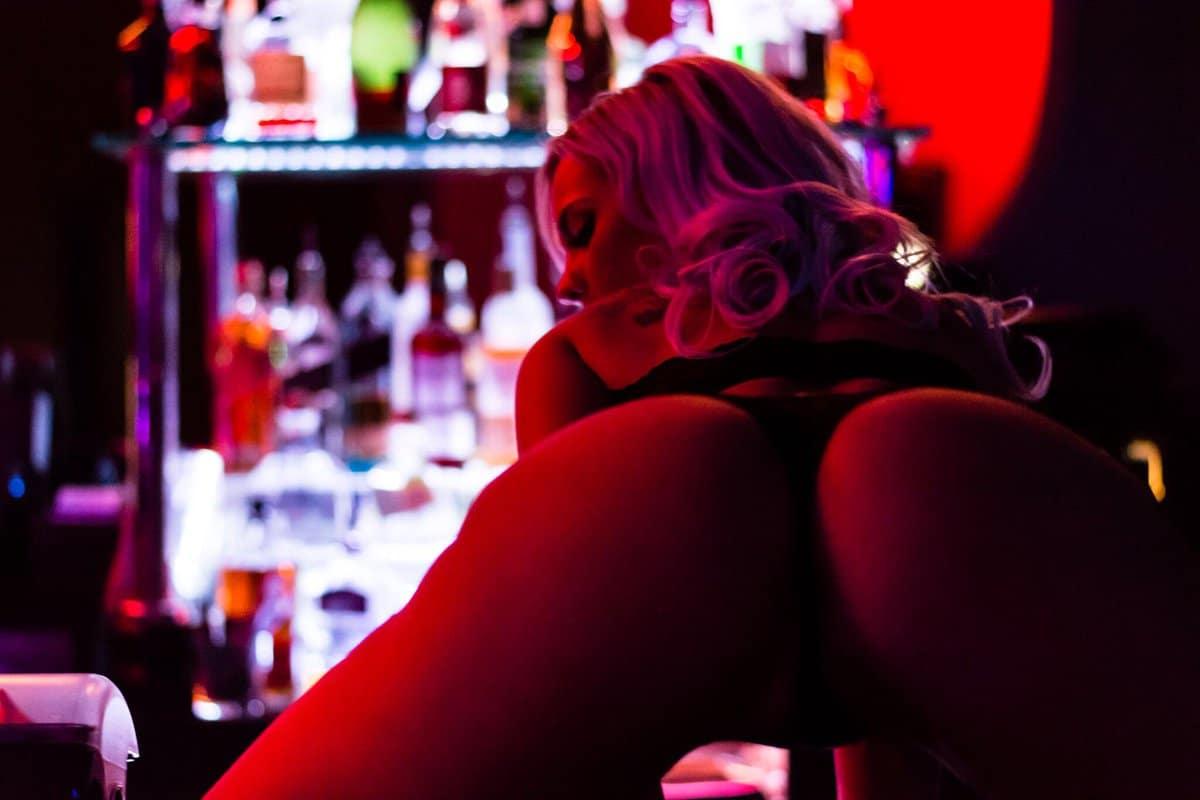 meet girls Phoenix nightlife hookups