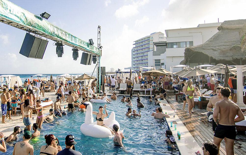 Find hot girls Cancun beach