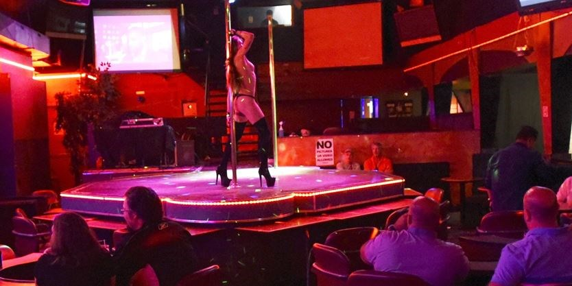 meet sexy girls Toronto night hookups
