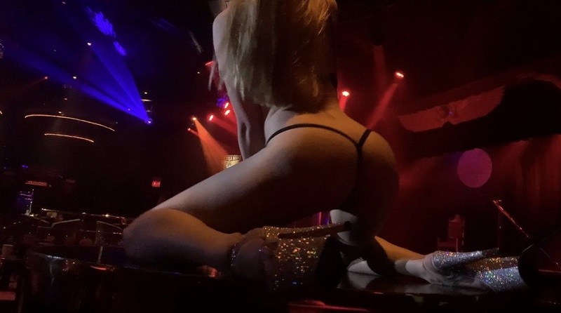 night hookups strip club Chicago