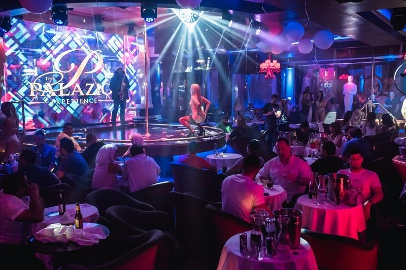 gentleman club Austin beautiful girls nightlife