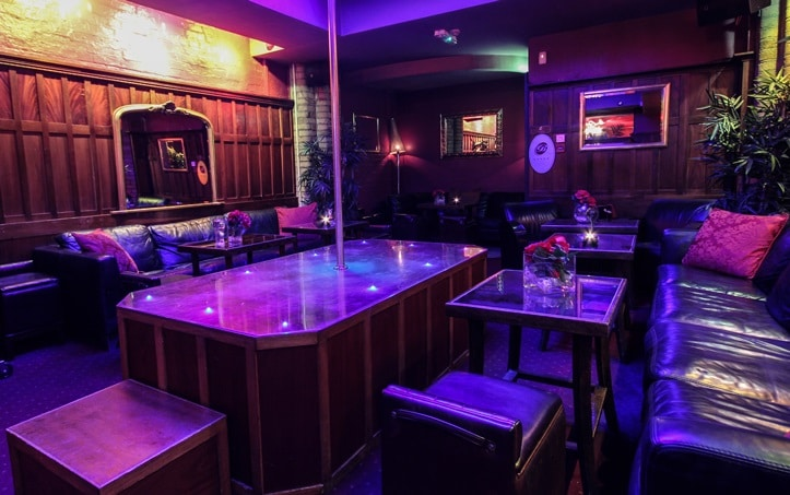 Dublin strip club the Barclay offer sexy shows and girls