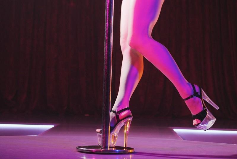 british stripper england night pool dance